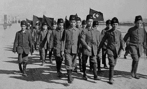 Kazım Karabekir 'Çocuk Davam' dediği konudaki ciddiyetini göstermek ve Mustafa Kemal'in desteğini alabilmek için çocukların bir kısmını Ankara'ya götürdü.